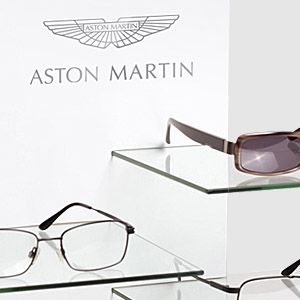 <p><b>ASTON MARTIN</b> Display<p>